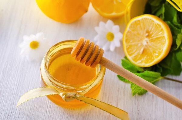 Phương pháp detox đẹp da từ chanh và mật ong